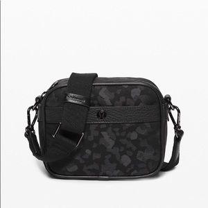 Lululemon Now & Always crossbody bag - new